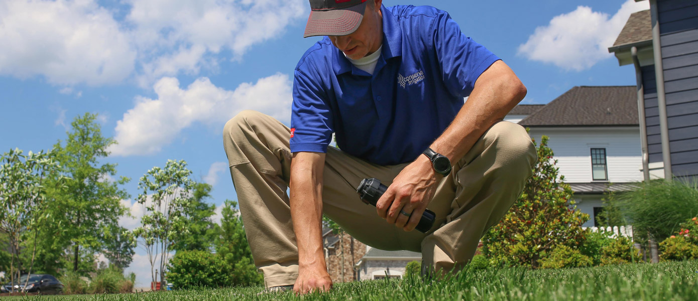 Conserva Professional replacing a sprinkler head